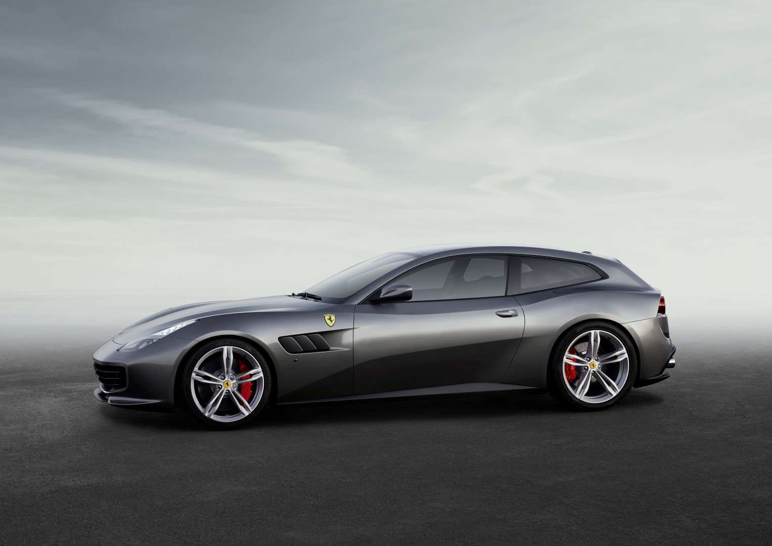 160067-car-Ferrari-GTC4Lusso-side-LR
